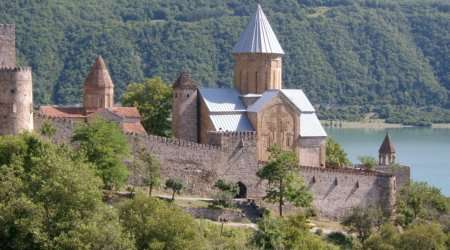 Ananuri_fortress