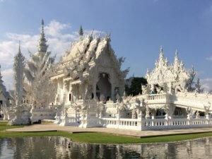 Wycieczka na północ Tajlandii: Biala swiatynia Wat Rong Khun w Chiang Rai