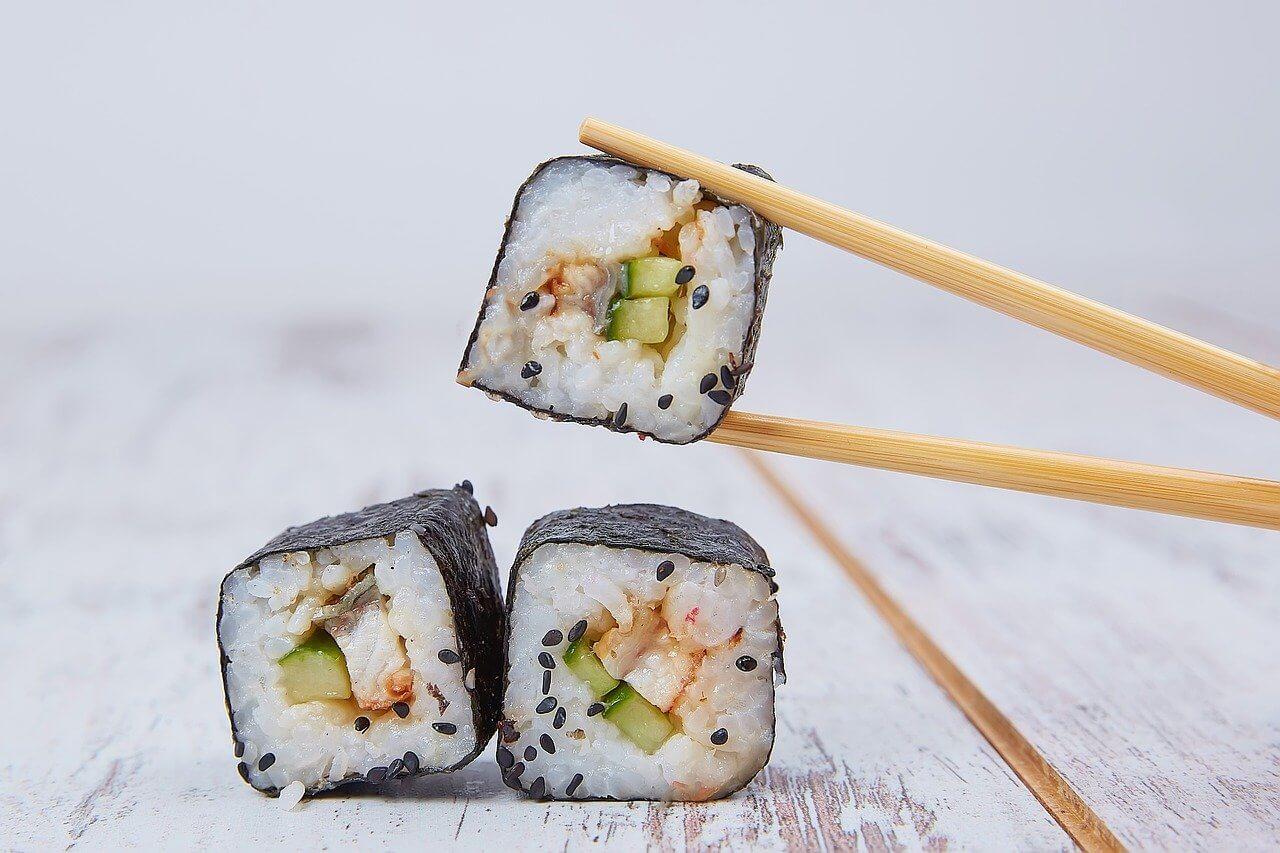 Japonia ciekawostka - w Japonii jemy pałeczkami