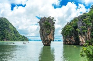 Wycieczka objazdowa po Tajlandii: skała wapienna - zatoka Phang Nga