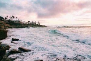 Kamienista plaża w San Diego